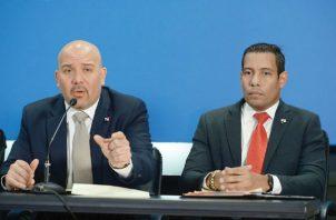 Rolando Mirones y Carlos Romeros quedan fuera del Gabinete; el comisionado Juan Pino será el nuevo ministro de Seguridad Pública. Foto: Panamá América.