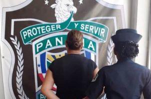 Se informó que la mujer de 37 años de edad, fue detenida en el área de Antón, por miembros de la Policía Nacional.