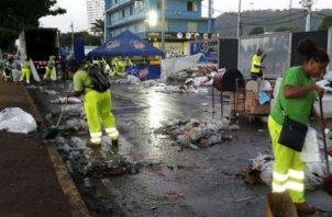 Las multas podrán ser aplicadas a comerciantes, ciudadanos o empresas que estén en la ruta del Carnaval de la capital. Foto: Panamá América.