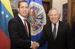 """Almagro aseguró, por su parte, que queda """"mucho trabajo para recuperar la democracia en Venezuela"""", las instituciones y la """"más plena vigencia de los derechos humanos""""."""