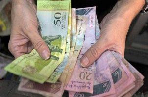 La economía venezolana se ha contraído más de un 50% en el último lustro.