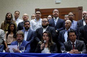 Gremios de los diversos sectores de El Salvador, se han mostrado preocupados por lo ocurrido entre el presidente de la república Nayib Bukele, los legisladores, las fuerzas militares y policiales en el congreso. FOTO/EFE
