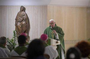 """El papa propone que existan más """"diáconos permanentes y que junto con las religiosas y los mismos laicos asuman responsabilidades importantes para el crecimiento de las comunidades (amazónicas)"""". FOTO/EFE"""