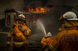 Los incendios intensifican presión sobre los líderes de Australia para abordar el cambio climático. Foto / Matthew Abbott para The New York Times.