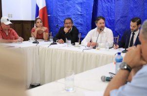Los transportistas fueron atendidos en la Presidencia de la República por varios ministros de Estado. Foto: Cortesía