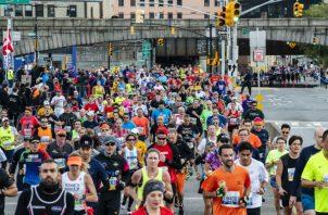 Entrenar y terminar un maratón puede dejar las arterias más flexibles y biológicamente más jóvenes, incluso en corredores lentos. Foto / Karsten Moran para The New York Times.
