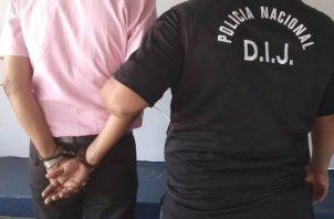 La aprehensión del adulto mayor fue realizada por unidades de la Dirección de investigación Judicial (DIJ) de la Policía Nacional.