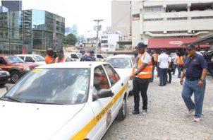 El vehículo del Estado fue retenido y el funcionario fue multado con $100.