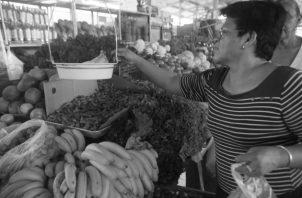 Los rubros con mayor impacto en los Tratados de Libre Comercio de Panamá con otros países, según estadísticas de comercio internacional, son: frutas, pescados, café, azúcar, hortalizas, tabaco, entre otros. Foto: Víctor Arosemena.