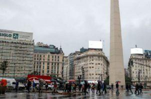 El Gobierno argentino aspira a concluir el proceso de renegociación de la deuda externa para fines de marzo. EFE