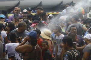 Panameños disfrutando de los culecos en la Cinta Costera, ayer. Edwards Santos