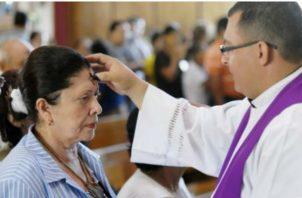Iglesia Católica irá en busca de los feligreses. Foto/Archivos
