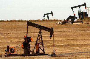 El precio del petróleo intermedio de Texas (WTI) cerró este lunes con una caída del 3.65%.