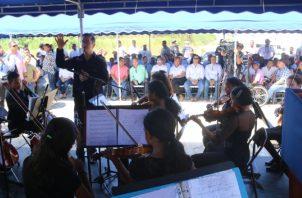 La orquesta brinda la oportunidad de descubrir y potenciar habilidades musicales entre los jóvenes.  Cortesía