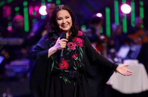 La cantante  mexicana Ana Gabriel se hizo merecedora de la Gaviota de Plata y el público en la Quinta Vergara exigió para ella la Gaviota de Oro. FOTO/EFE de