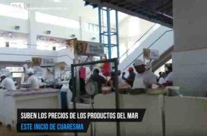 Consumidores preparan bolsillo para comprar mariscos en Cuaresma. Foto/Sugey Fernández