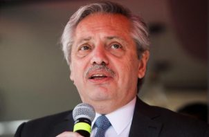 Alberto Fernández, presidente de Argentina, trata de buscar una alternativa al pago de la deuda que mantiene su país con el FMI. EFE