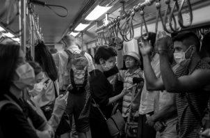 """Estamos frente a una """"posible epidemia global"""" y esto nos concierne a todos prevenirlo y contenerlo, cada uno dentro de sus propias fronteras. Foto: AP."""