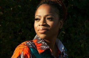 La autora Abi Daré dijo que la educación es esencial. Foto / Ellie Smith para The New York Times.