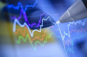 Las bolsas globales habían caído más de un 10% al cierre del jueves en EEUU.
