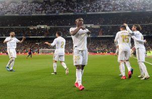 Vinícius Júnior  del Real Madrid celebra su gol ante el Barcelona. Foto:EFE