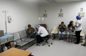 Pacientes reciben atención médica en las instalaciones del Hospital Dr. José María Vargas en Caracas.FOTO/EFE