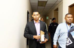 Alex Cedeño comparece a una de las audiencias por este caso. Archivo