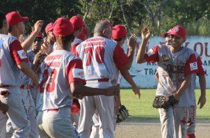 Coclé sigue con vida en la serie final del béisbol juvenil. Foto: Fedebeis