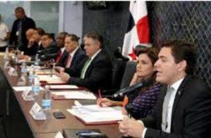 El debate del reglamento interno de la Asamblea Nacional ha generado diferencias entre diputados oficialistas y de la bancada independiente.