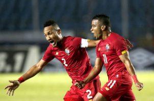 Gasper Murillo (d) anotó el primer gol panameño. Foto AP