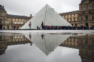 los trabajadores votaron por amplia mayoría regresar al trabajo y el Louvre abrió por la tarde. FOTO/EFE