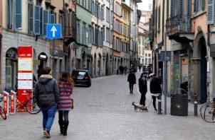 Se cerró una clínica intramuros para su desinfección luego del primer resultado positivo de un examen registrado el jueves, dijo el vocero Matteo Bruni.  FOTO/EFE