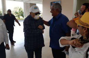 El exmandatario Ricardo Martinelli asistió con pocos simpatizantes por el brote de coronavirus. Foto/ Francisco Paz