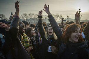 El esfuerzo del presidente Macron por consolidar los planes pensionarios galos ha visto oposición. Una protesta en enero. Foto / Kiran Ridley/Getty Images.