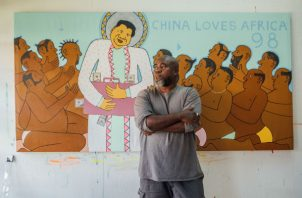 El pintor keniano Michael Soi retrata a China como la nueva potencia imperialista ansiosa por saquear a África. Foto / Khadija Farah para The New York Times.