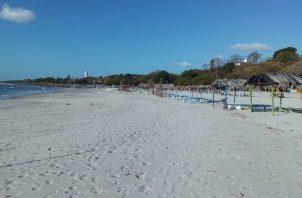 Varias playas de San Carlos tienen banderas rojas de advertencia. FOTO/ERIC MONTENEGRO