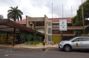 Biblioteca Nacional Ernesto J. Castillero, en el Parque Omar. Foto: Panamá América