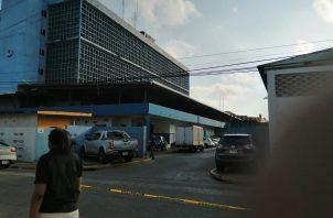 La Policía Nacional, acordonó el área para evitar el ingreso de curiosos. FOTO/Diomedes Sánchez