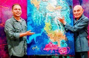 Carlos Rampolla y Miguel Moreno en 2017. En la exhibición - entrega del retrato de 'Esopo'-Homenaje a Miguel Moreno. Cortesía