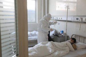 Hasta el momento se han reportado 1,075 casos de coronavirus en el país y 27 defunciones. Foto: EFE