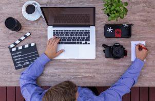 La modalidad de teletrabajo, a diferencia de las convencionales, funcionan por productividad. Foto ilustrativa / Pixabay.