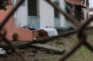La alcaldesa Cyntia Viteri, quien se encuentra en cuarentena por haberse infectado con el coronavirus, reclamó el 27 de marzo a las autoridades nacionales por las falencias del sistema público