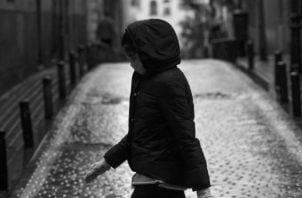 """Todos podemos y debemos constituirnos en """"autovigilantes y vigilantes del otro"""".  Es cuestión de educación, responsabilidad y toma de conciencia. Foto: EFE."""