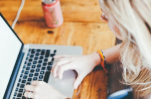 Hay un sinnúmero de posibilidades en Internet para los que quieren aprender nuevas cosas durante la cuarentena. Foto: Pixabay