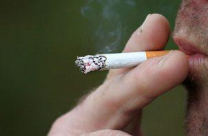 El tabaquismo aumenta el riesgo y progresión de la esclerosis múltiple. Pixabay
