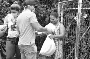 En el pasado fin de semana se entregaron 22 mil bolsas de comida en el área de Panamá Centro, como parte del Plan Panamá Solidario para las familias afectadas por la crisis. Foto: Cortesía.