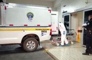 En el sitio del homicidio, personal de Criminalista del Ministerio Público recolectaron múltiples casquillos de bala. FOTO/Eric Montenegro