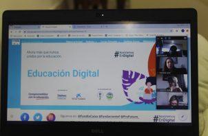 La ministra de Educación, Maruja Gorday de Villalobos, está afinando los detalles para definir la fecha de inicio de las capacitaciones. Foto: Cortesía
