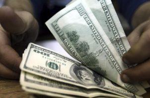 Instituciones bancarias, prendarias y financieras otorgando periodos de gracia en la deuda de los panameños. Foto/EFE