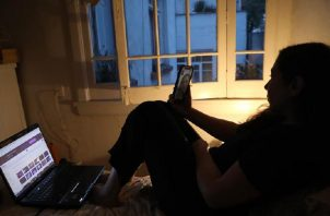 La pandemia puso al descubierto la brecha digital que hay en la región. EFE